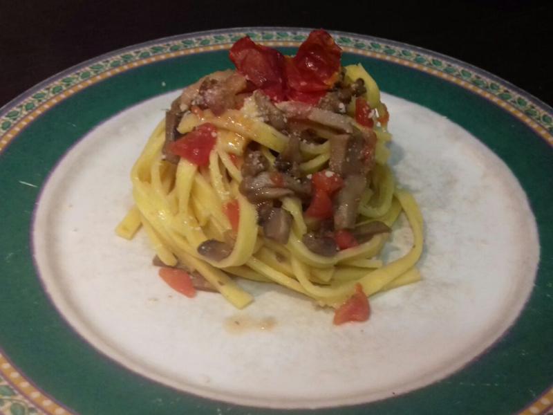 Fettuccine con funghi e pomodoro concass corsi di cucina a roma - Corsi di cucina a roma ...